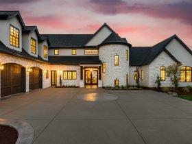 luxury home market